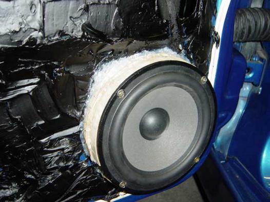 montage haut parleur voiture