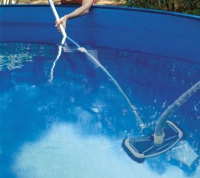 nettoyage piscine hors sol aspirateur